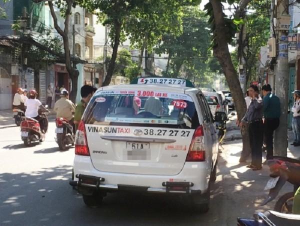 TP.HCM: Phát hiện tài xế taxi tử vong trong xe đóng kín - ảnh 1
