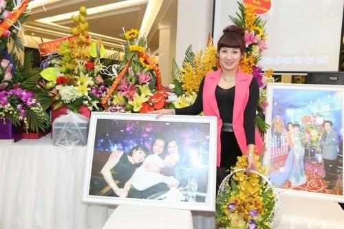Vợ chồng đại gia Thái Bình dự sinh nhật NSND Trần Nhượng - ảnh 2
