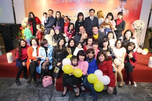 Vợ chồng đại gia Thái Bình dự sinh nhật NSND Trần Nhượng - ảnh 5