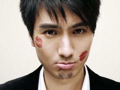 Nhận diện gương mặt người đàn ông dễ ngoại tình - ảnh 2