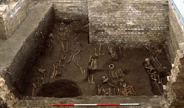 Phát hiện 800 bộ hài cốt trẻ em bị chôn lấp ở Lancashire - ảnh 1