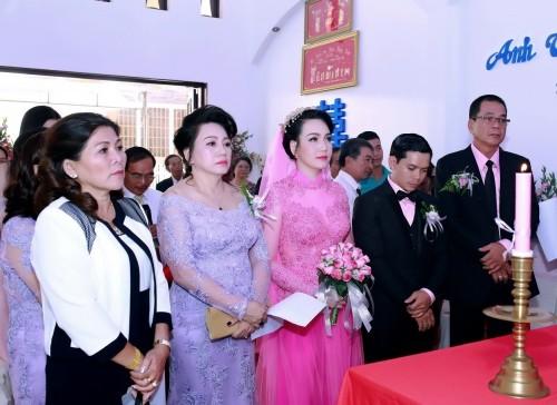 Sự thật việc Vũ Hoàng Điệp vắng mặt trong lễ cưới chị ruột - ảnh 5