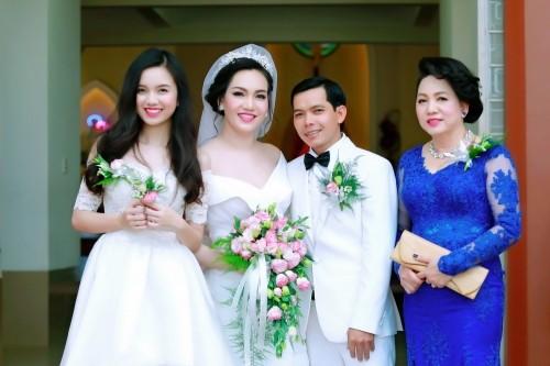 Sự thật việc Vũ Hoàng Điệp vắng mặt trong lễ cưới chị ruột - ảnh 7
