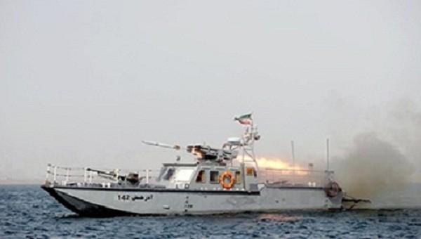 Hải quân Iran yêu cầu tàu chiến Mỹ rời vịnh Oman - ảnh 1