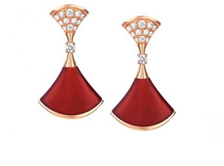 Tóc Tiên 'chơi trội' với bộ trang sức kim cương gần 2 tỷ đồng - ảnh 3