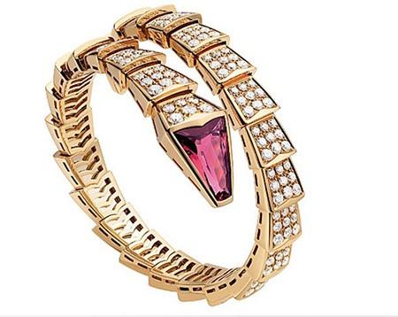 Tóc Tiên 'chơi trội' với bộ trang sức kim cương gần 2 tỷ đồng - ảnh 4