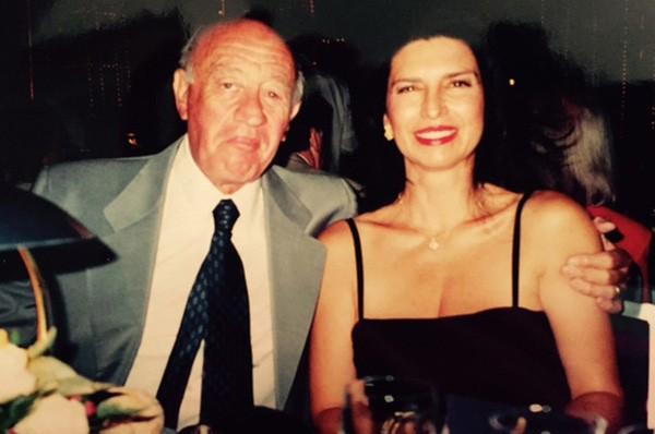 Kết hôn 20 năm mới biết chồng bí mật ly dị ngay sau đám cưới - ảnh 1