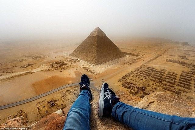 3 năm tù vì tội trèo kim tự tháp Ai Cập - ảnh 1