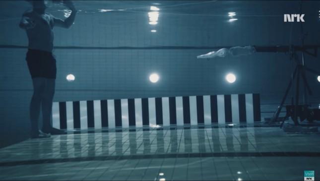 Bắn súng dưới nước có thực sự gây sát thương? - ảnh 1