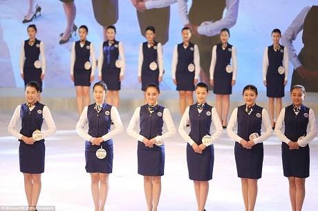 Cận cảnh 'Lò đào tạo' tiếp viên hàng không Trung Quốc - ảnh 9