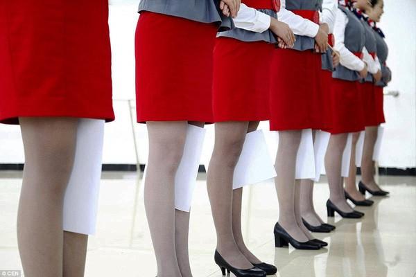 Cận cảnh 'Lò đào tạo' tiếp viên hàng không Trung Quốc - ảnh 3