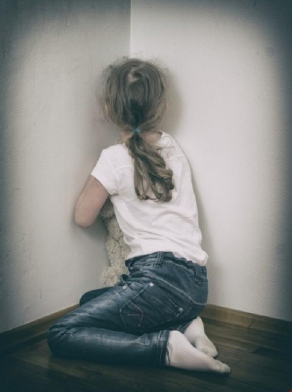 Chấn động cha vừa ra tù đã nhốt con gái ở nhà trọ giở trò đồi bại - ảnh 1