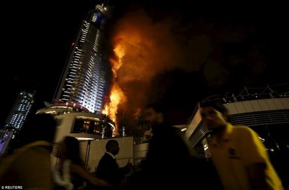 UFO là thủ phạm khiến khách sạn Dubai chìm trong biển lửa? - ảnh 2
