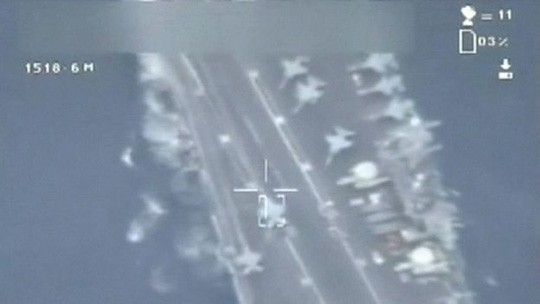 Máy bay do thám Iran áp sát, chụp ảnh tàu sân bay Mỹ - ảnh 2