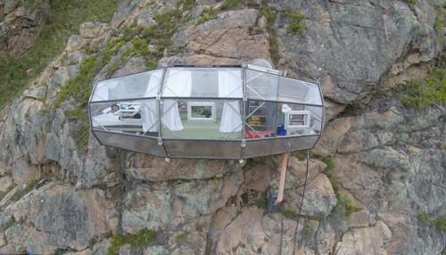 Đến Peru, thử cảm giác ngủ lơ lửng tại khách sạn trên vách núi - ảnh 1