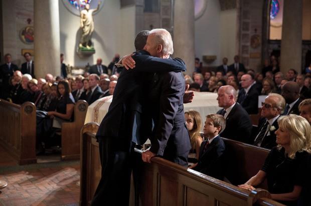 Khoảnh khắc đời thường ấn tượng nhất 2015 của Tổng thống Mỹ Obama - ảnh 4