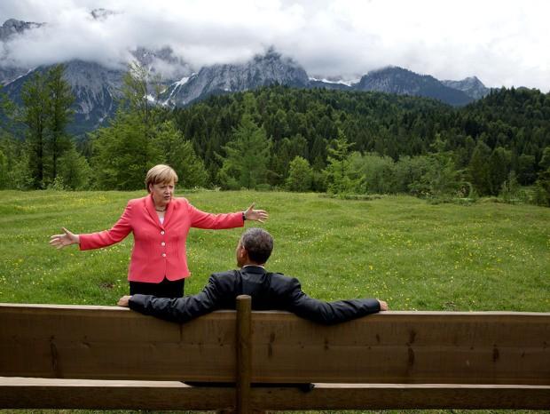 Khoảnh khắc đời thường ấn tượng nhất 2015 của Tổng thống Mỹ Obama - ảnh 5