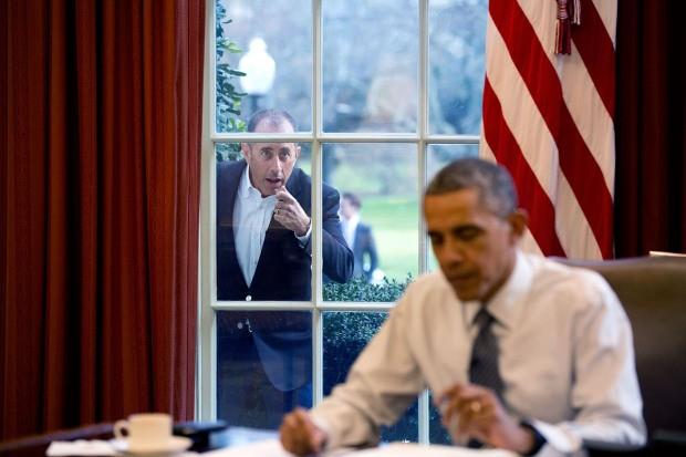 Khoảnh khắc đời thường ấn tượng nhất 2015 của Tổng thống Mỹ Obama - ảnh 7