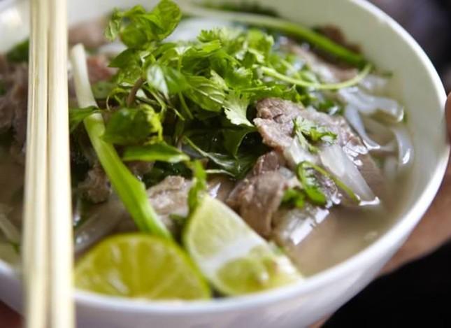 Những món ăn khiến bạn 'hối hận' nếu không thử khi du lịch Việt Nam - ảnh 1