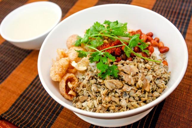 Những món ăn khiến bạn 'hối hận' nếu không thử khi du lịch Việt Nam - ảnh 6