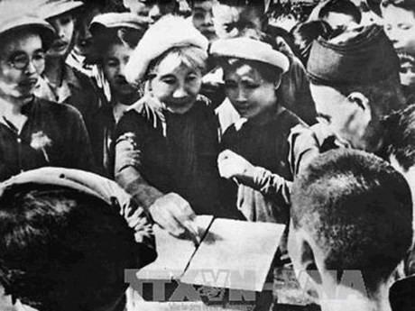 Những hình ảnh lịch sử về ngày Tổng tuyển cử đầu tiên 6/1/1946 - ảnh 3