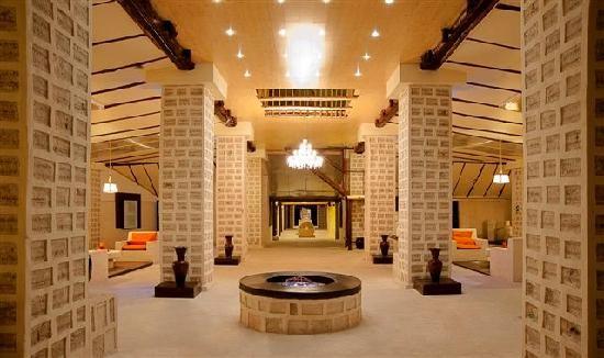Choáng với khách sạn tuyệt đẹp làm từ 10.500 tấn muối - ảnh 3