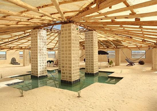 Choáng với khách sạn tuyệt đẹp làm từ 10.500 tấn muối - ảnh 4