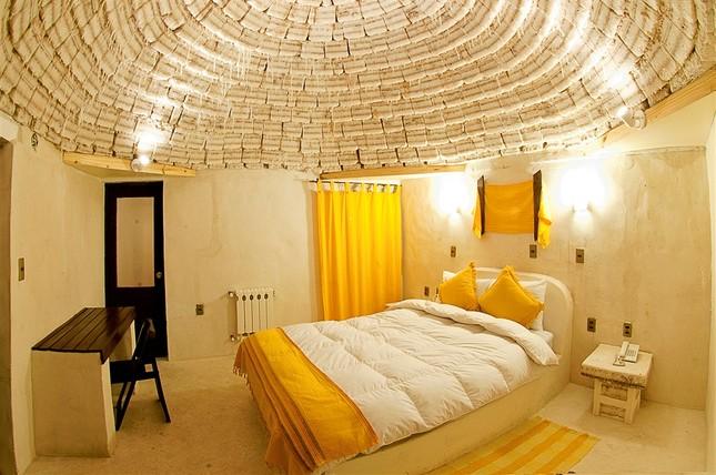 Choáng với khách sạn tuyệt đẹp làm từ 10.500 tấn muối - ảnh 2