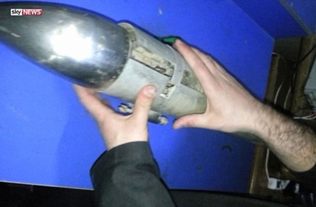 IS tung video hướng dẫn công nghệ chế tạo xe đánh bom cực nguy hiểm - ảnh 3