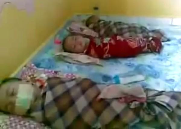 Cô giáo mầm non bịt miệng, quấn trẻ em như 'xác ướp' để ép ngủ - ảnh 1