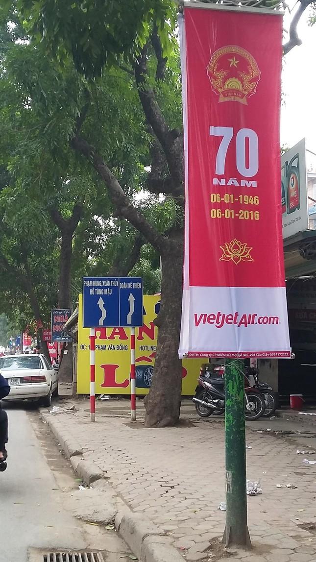 Áp phích tuyên truyền 'biến' thành quảng cáo cho Vietjet Air? - ảnh 1