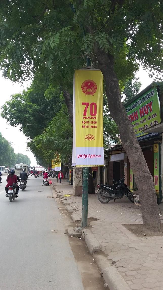 Áp phích tuyên truyền 'biến' thành quảng cáo cho Vietjet Air? - ảnh 2