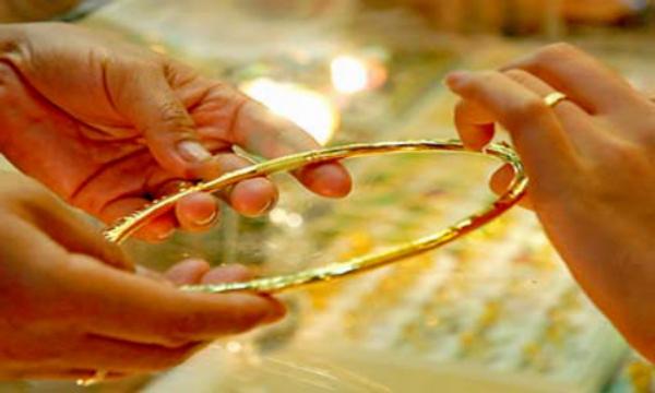 Giá vàng hôm nay 7/1: Vàng thế giới tăng vọt, trong nước bình ổn - ảnh 1