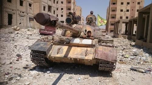 IS rút lui bất ngờ, hơn 100 ngôi làng ở Syria giải phóng - ảnh 1