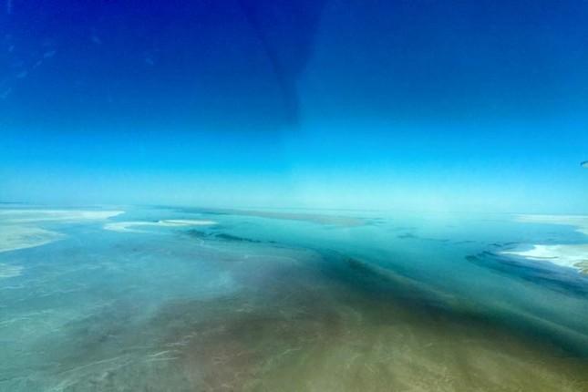 Kỳ lạ hồ sa mạc bỗng dưng đầy nước ở Australia - ảnh 4