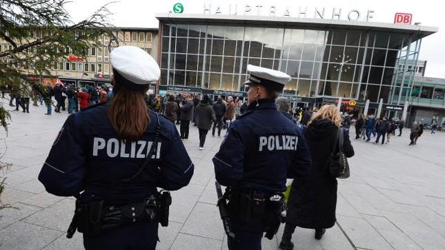 Đức trục xuất kẻ tham gia tấn công tình dục ở Cologne - ảnh 1