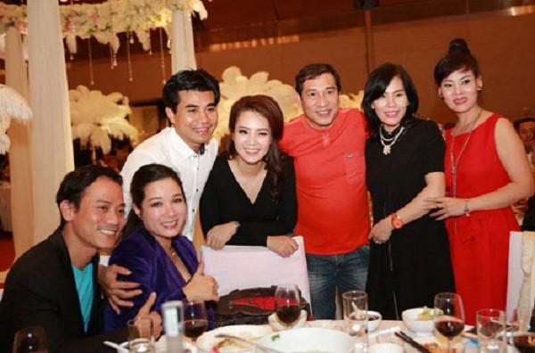Tò mò đám cưới ở Hà Nội hội tụ toàn sao 'khủng' 2 miền Nam-Bắc - ảnh 4