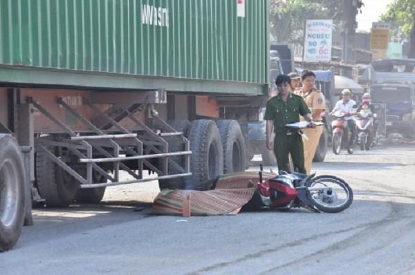Xót xa nữ công nhân bất ngờ chết thảm trên đường về nhà - ảnh 1