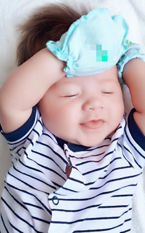 Cận mặt con trai đáng yêu của Elly Trần - ảnh 2