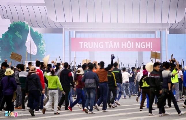 Tình huống thực binh chống bạo động bảo vệ Đại hội Đảng - ảnh 6