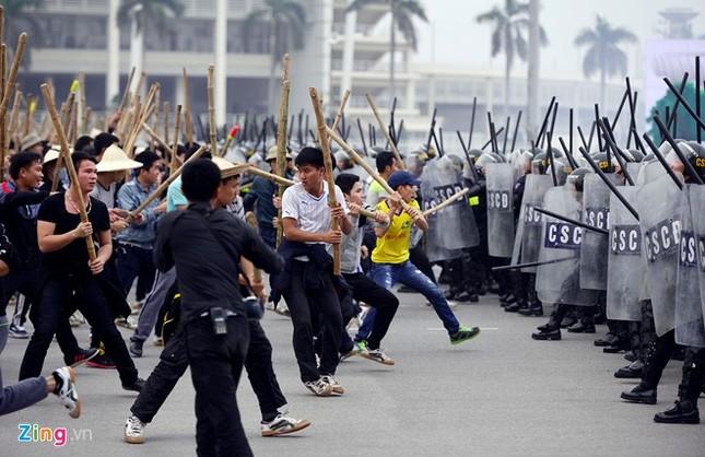 Tình huống thực binh chống bạo động bảo vệ Đại hội Đảng - ảnh 8