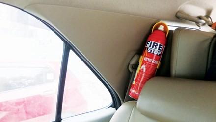 Nhập nhằng giá bán bình chữa cháy mini dành cho ô tô - ảnh 1