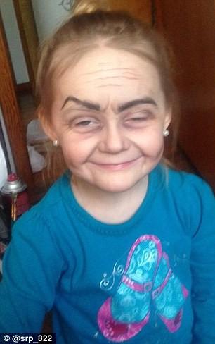 Ngắm cô bé 3 tuổi xinh đẹp có khuôn mặt giống bà lão 80 - ảnh 3