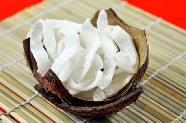 Học cách làm mứt dừa sữa tươi tuyệt ngon cho ngày tết - ảnh 1