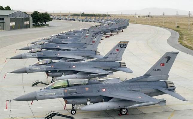 Thổ Nhĩ Kỳ nâng báo động Cam, sẵn sàng chiến tranh với Nga - ảnh 1