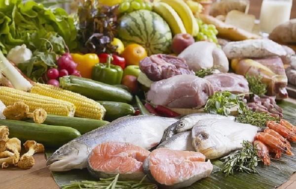 Mách bạn cách lựa chọn thực phẩm an toàn tránh ngộ độc ngày tết - ảnh 1