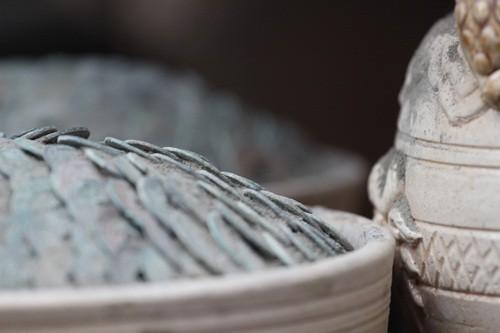 Săn 'hàng độc' trong phiên chợ đồ cổ duy nhất trong năm - ảnh 3