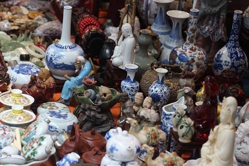 Săn 'hàng độc' trong phiên chợ đồ cổ duy nhất trong năm - ảnh 8