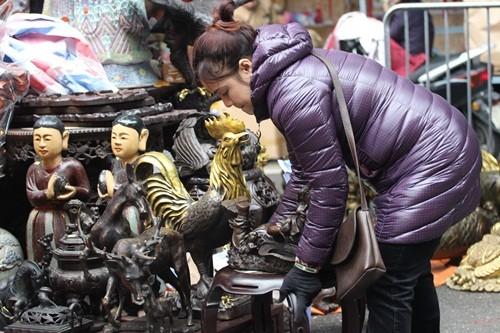 Săn 'hàng độc' trong phiên chợ đồ cổ duy nhất trong năm - ảnh 5