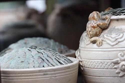 Săn 'hàng độc' trong phiên chợ đồ cổ duy nhất trong năm - ảnh 11